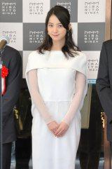 白の上品なワンピース姿を披露した佐々木希=商業施設『KIRARITO GINZA』テープカットセレモニー (C)ORICON NewS inc.