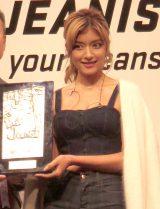 『ベストジーニスト2014』を受賞したローラ (C)ORICON NewS inc.