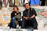 韓国で芸術三昧 アートの街「梨花洞(イファドン)」を訪れた当選者の米田一陽さんとパートナーの坂本久枝さん (C)oricon ME inc.