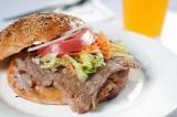 世界三大料理のひとつ、トルコ料理のなかでも代表的な「ケバブ」