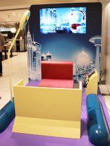 ドラえもんと未来の世界を旅することができる「バーチャルタイムマシン」。写真は西武池袋本店 (C)Fujiko-Pro