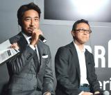『ブラウン シリーズ9』発表会にゲストとして登場した干場義雅氏(左)と和田智氏(右) (C)oricon ME inc.