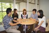 """摂南大学で""""学生による大学広報活動""""を行っている学生たち"""
