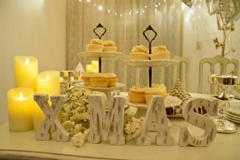 真っ白なセレブ風クリスマス女子会に潜入  ケーキやキャンドルで盛り上げて(C)oricon ME inc.