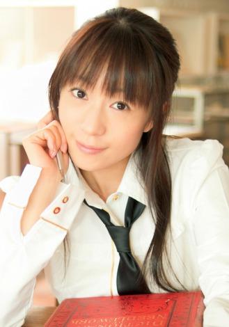 サムネイル 一般男性と結婚、挙式した元祖アイドル声優・椎名へきる