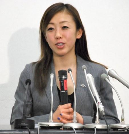 引退会見を行ったフィギュアスケート・村主章枝選手 (C)ORICON NewS inc.