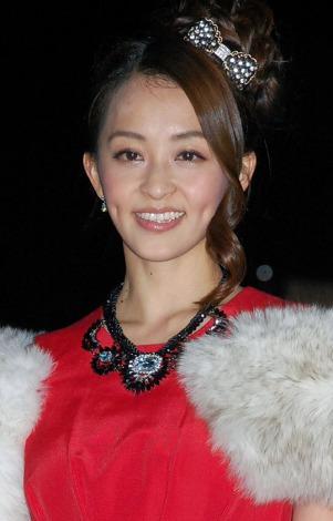 赤の華やかなドレスで登場した田中理恵 (C)ORICON NewS inc.