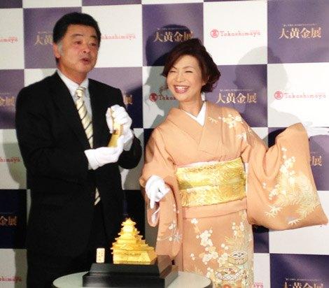 大阪高島屋の『大黄金展』PRイベントに登場した川藤幸三氏、シルク