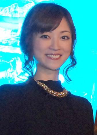 『FINAL FANTASY for SmartPhone 2015 新作発表会』イルミネーション点灯式に出席した吉澤ひとみ (C)ORICON NewS inc.