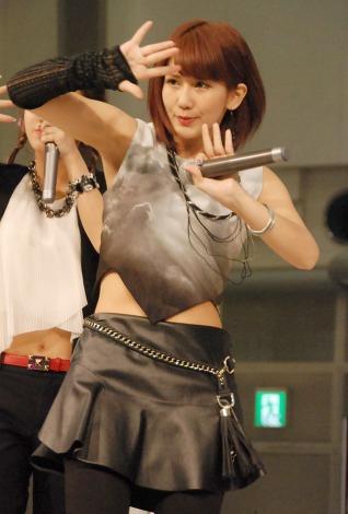 新曲「I miss you/THE FUTURE」のリリース記念イベントを行った℃-uteの岡井千聖 (C)ORICON NewS inc.