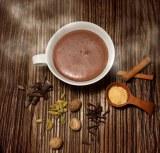濃厚チョコレートにピリッとスパイスが効いた『リンツ・ショコラスペキュロスドリンク』
