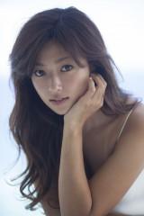 女優の深田恭子が1月期放送のテレビ朝日系ドラマ『セカンド・ラブ』で亀梨和也と初共演