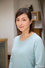 フジテレビ系新春ドラマスペシャル『大使閣下の料理人』(2015年1月3日放送)で主人公の妻を演じる広末涼子