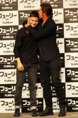 製作総指揮&主演を務めた最新作『フューリー』のPRで来日したブラッド・ピットとローガン・ラーマン
