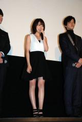 映画『くるみ割り人形』初日舞台あいさつに登壇した有村架純(中央)、松坂桃李(右)