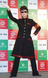 氣志團の衣装で「One Night Carnival」を熱唱した小林幸子=『カラオケ@DAM×Xbox One』新製品発表会 (C)ORICON NewS inc.