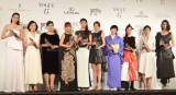 『2014 VOGUE JAPAN Women of the Year&VOGUE JAPAN Women of Our Time』受賞記者会見に出席した(左から)松岡モナ、中園ミホ、竹内智香氏、蜷川実花、杏、米倉涼子、椎名林檎、黒木華、国谷裕子、TAO (C)ORICON NewS inc.
