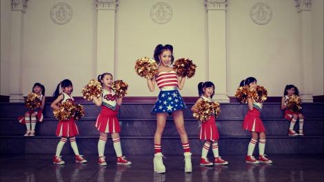 板野友美6thシングル「COME PARTY!」MVカット (C)キングレコード