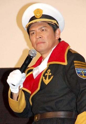 沖田十三のコスプレを披露したますだおかだ・岡田圭右=映画『宇宙戦艦ヤマト2199星巡る方舟』プレミアム上映会 (C)ORICON NewS inc.