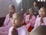 ミャンマー第2の都市マンダレーの尼寺『ザ・プレミアム 鶴田真由のミャンマーふしぎ体感紀行』12月6日・13日の2週にわたってNHK・BSプレミアムで放送(C)NHK