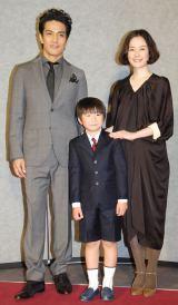 NHK特集ドラマ『途中下車』記者会見に出席した(左から)北村一輝、松田知己、原田知世 (C)ORICON NewS inc.