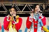 「あったかいんだから〜」を披露する(左から)古川愛李、松井珠理奈