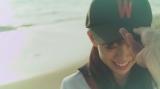 渡辺美優紀ソロデビュー曲「やさしくするよりキスをして」MVより