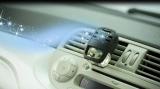 近年、室内用のみならず車内専用消臭芳香剤の需要が高まっている