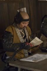 大河ドラマ『軍師官兵衛』にエキストラとして出演した漫画家の宮下英樹氏(C)NHK