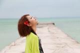 竹富島の絶景スポットに立つAya。YouTube上で展開するE-girlsの人気動画番組『E-girls movies!!』第2弾沖縄編の配信がスタート(C)テレビ朝日