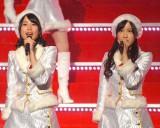 乃木坂46のライブ『Merry X'mas Show 2014』に出演した(左から)生田絵梨花、星野みなみ (C)ORICON NewS inc.
