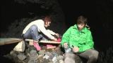 洞窟でサバイバル(C)テレビ朝日