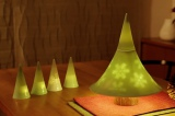 """西麻布にある『寿修(じゅしゅう)』でクリスマスシーズン限定で店内に展示される""""有田焼のクリスマスツリー"""""""
