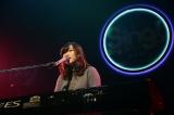 坂本理沙さん(20)は「最近書いた」というオリジナル曲「あくび」をピアノ弾き語りで披露