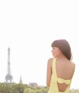 桐谷美玲1st写真集『失恋、旅行、パリ』より
