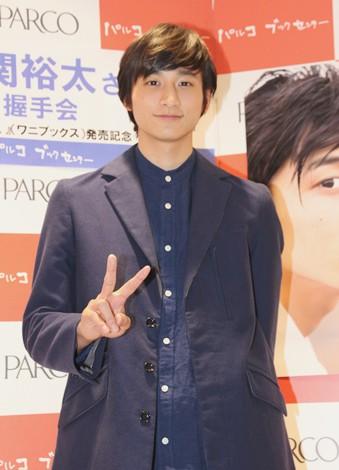 ファースト写真集を発売した俳優の小関裕太。(C)DeView