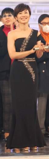 黒ドレスで登場した有働由美子アナウンサー=『第65回紅白歌合戦』リハーサル (C)ORICON NewS inc.