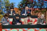 1月2日放送、『共感百景〜痛いほど気持ちがわかる あるある〜』(前列左から)清水ミチコ、日村勇紀、博多大吉、能町みね子(後列左から)大橋裕之、レイザーラモンRG(C)テレビ東京