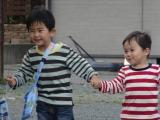 『まぐろぶつぶつ』山梨県・富士河口湖町(ふじかわぐちこまち)駿(しゅん )くん4歳 2か月 & 祥(しょう)くん 2歳 4か月(C)日本テレビ
