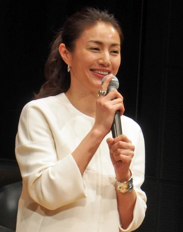 TBS系ドラマ『流星ワゴン』完成披露特別試写会に出席した井川遥 (C)ORICON NewS inc.