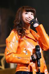 涙ながらに3月末でのグループ脱退と芸能界引退を発表したSUPER☆GiRLSの後藤彩(2015年1月10日、TOKYO DOME CITY HALLで撮影)