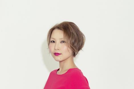 福岡晃子とユニット「忘れちゃいなよバド部」も組んでいる世武裕子(ピアノ/シンセサイザー)