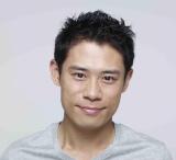 さやかの運命を変える坪田先生役を演じる伊藤淳史