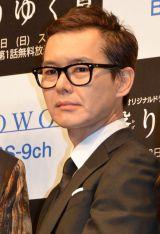 WOWOWオリジナルドラマ『連続ドラマW 翳りゆく夏』完成披露舞台あいさつに出席した渡部篤郎