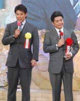 (左から)稲葉篤紀氏、工藤公康監督=『第49回ビッグスポーツ賞』表彰式 (C)ORICON NewS inc.