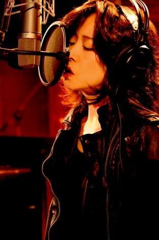 ついに5年4ヶ月ぶりシングルを発売した中森明菜