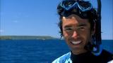 憧れのトンガでクジラと泳ぐ夢がかない満面の笑みの伊藤英明(C)CBC