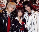 (左から)ルウト、若月佑美、AKIRA (C)ORICON NewS inc.