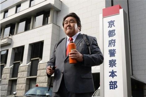 芸歴31年で連ドラ初主演を務める石塚英彦(C)テレビ朝日