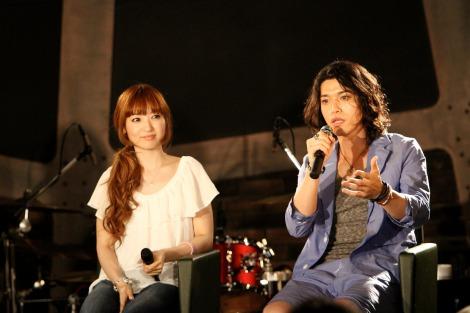ギタリスト・Billy(右)との熱愛を否定した神田沙也加